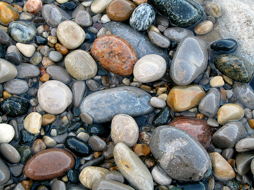 wet_pebbles_beach